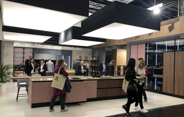 Living Kitchen Exhibition 2019, Full Kitchen Display Featuring Coral Coloured Island Unit